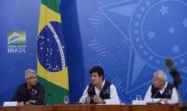 Indígenas protestam em frente do Palácia da Justiça em Brasília